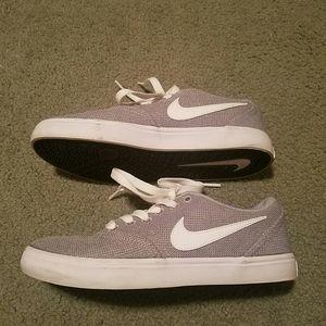 Womens Nike SB check solar soft sneakers
